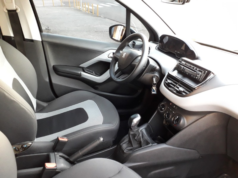 PEUGEOT 208 ACTIVE 1.5 /2014 AUTO NÍVEL VEÍCULOS SANTA CRUZ DO SUL / Carros no Vale