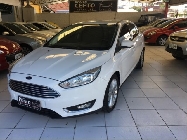 Ford FOCUS SEDAN TITANIUM 2.0 2016 PONTO CERTO VEÍCULOS SANTA CRUZ DO SUL / Carros no Vale
